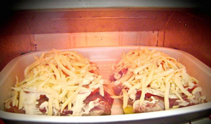 Francuskie mięso z pieczarkami w piekarniku