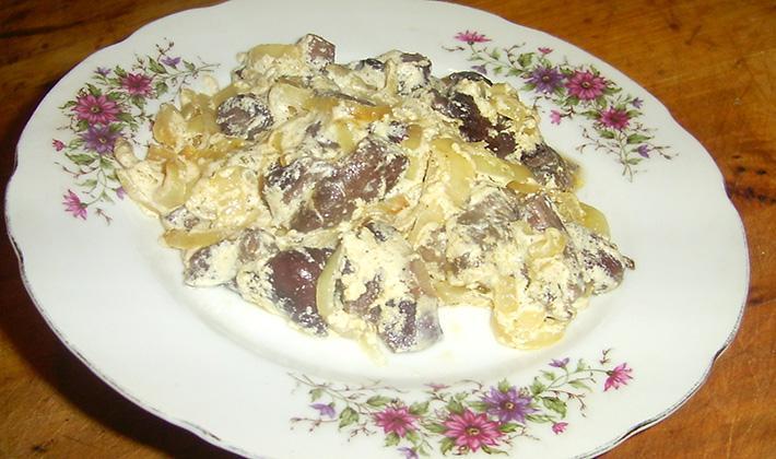 Ziemniaki z grzybami w śmietanie