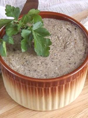 Jak zrobić pasztet grzybowy z pieczarek