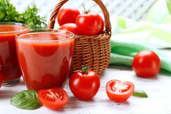 Sok pomidorowy: zawartość kalorii w produkcie