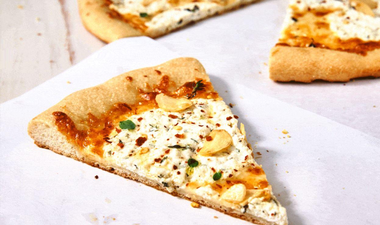 Biały sos do pizzy