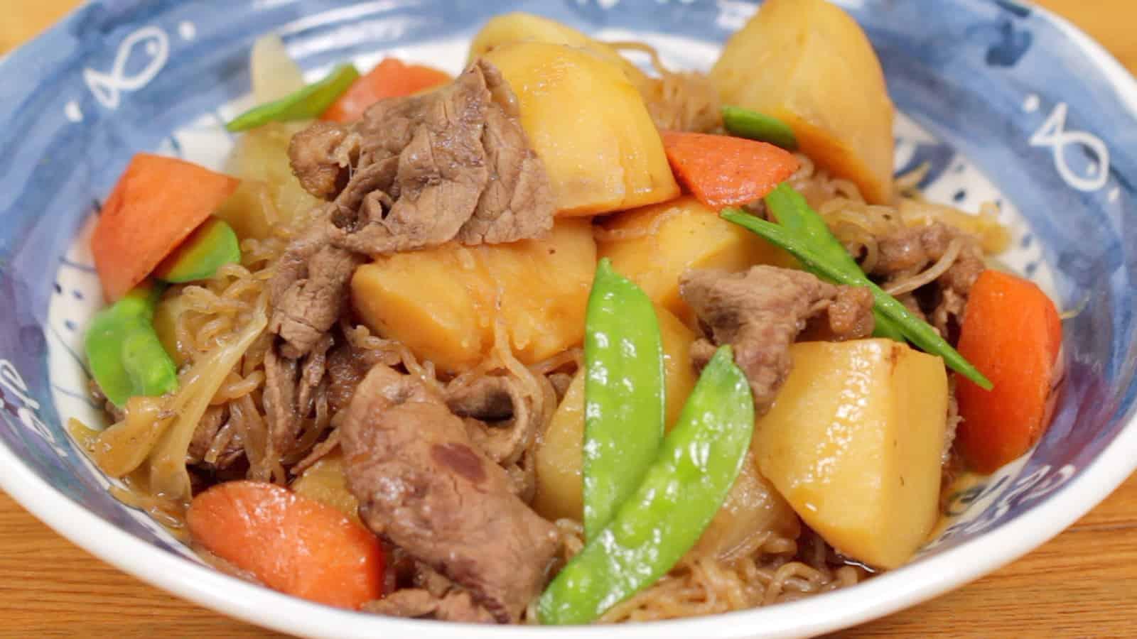 Sos z mięsem i ziemniakami