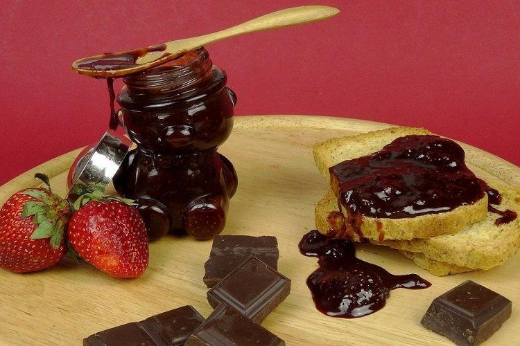 Dżem truskawkowy z czekoladą