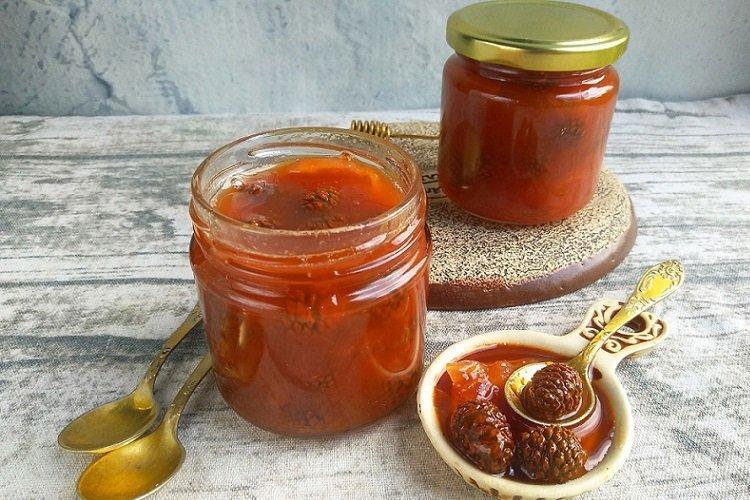 Konfitura z szyszek sosnowych i pomarańczy