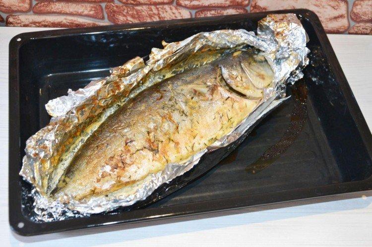 Tuńczyk z pieca z sosem śmietanowym