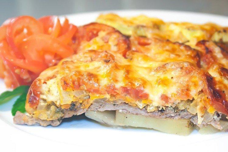 Tuńczyk z ziemniakami i pomidorami