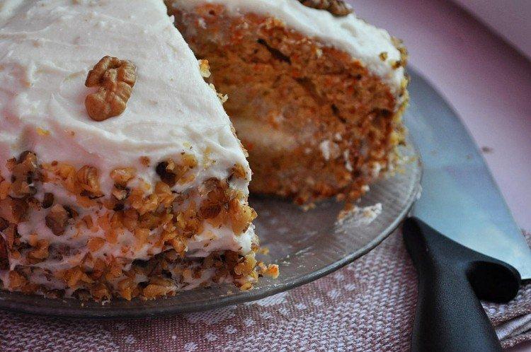 Bezglutenowe ciasto marchewkowe - przepisy kulinarne