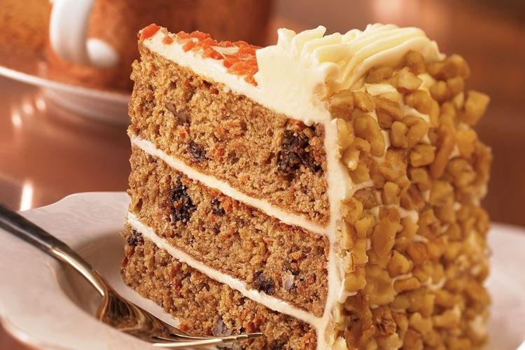 Ciasto marchewkowe z orzechami - przepisy kulinarne
