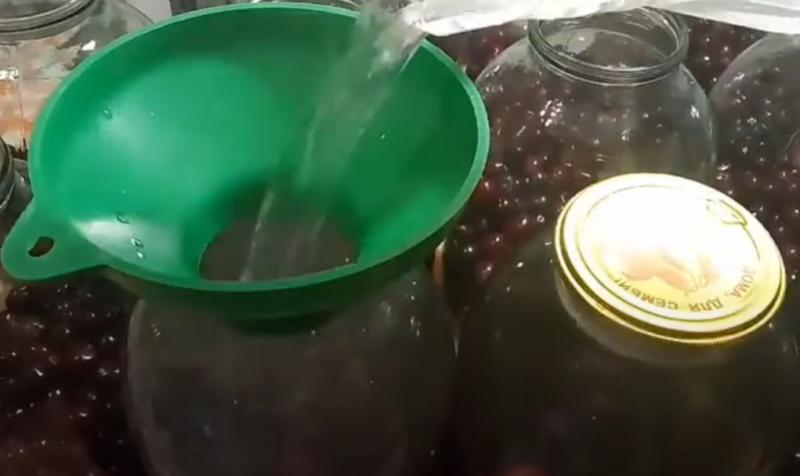 kompot wiśniowy na zimę