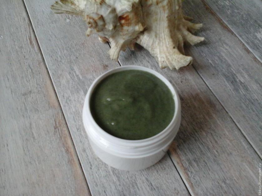 Algi w połączeniu z aloesem są skuteczne w przypadku tłustej, zapalnej skóry (fot. livemaster.ru)